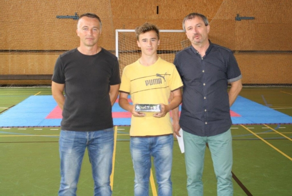 """""""Jun."""" – MEGAÚSPĚCH !!! Marek Bína byl vyhlášen sportovcem roku na ZŠ Barvířská !!!"""